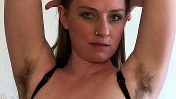 Жёнушки чувствуют женский сквирт оргазм на домашнюю камеру в подборке сцен