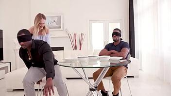 Секс массаж с чертовски горячей массажисткой