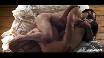 Шикарный секс сисястой милфы и тихого очкарика